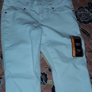 Pants - White low rise skinny jeans